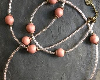 Handgemachte Lange Perlen Halskette aus Toho Perlen , Glasperlen und Polymer Clay (Fimo) Perlen.Mit Hamsa Hand der Fatima Anhänger.