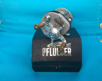 Pflueger 1576 Supreme Reel in Box With Papers and Extras Vintage
