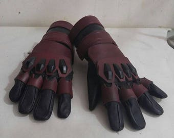 Gloves Akuma  Tv Series version
