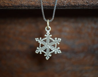Snowflake #2 Charm - 925 Silver - FREE SHIPPING within the USA - itemS27