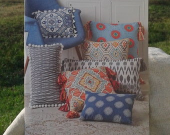 Simplicity Sewing Pattern 8308 - Square and Rectangle Pillows in Different Shapes and Sizes - Throw & Pompom pillow | Etsy pillowsntoast.com