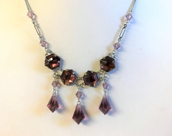 A Beautiful Vintage Amethyst Coloured Necklace