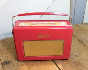 Radio Tin Lunch Box - Quirky Tin in the shape of a 1950's radio (stock #6457