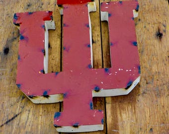 "Large ""IU"" Sign"