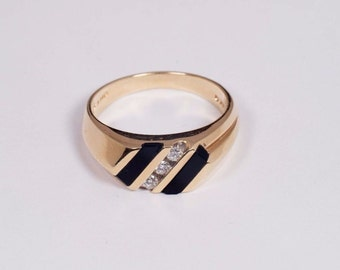 14K Yellow Gold Mens Onyx and Diamond Ring, Size 10.5