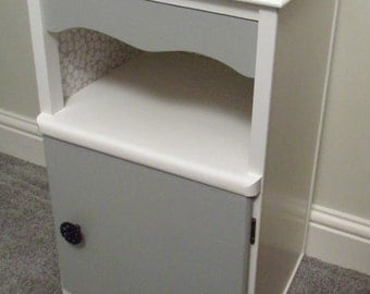 Nightstand / Bedside Cabinet upcycled in white and grey