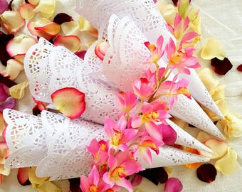 50 Confetti Cones, Wedding Petal Cones, Paper Cones, Petal Cones, Cones for Confetti, Flower Petal Cones
