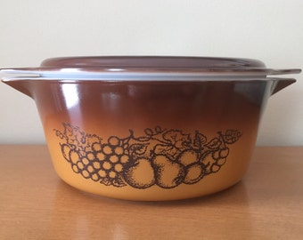 Pyrex Old Orchard 2 1/2 qt. Round Casserole With Lid - 475B