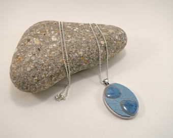 Necklace with pendant oval silver metal stoneware porcelain and blue Japanese Pebble