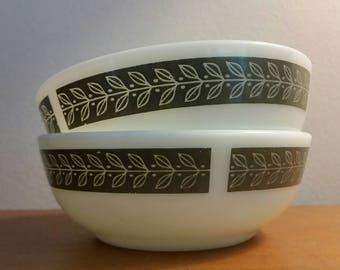 2 Corning Pyrex Tableware Milk Glass Bowls