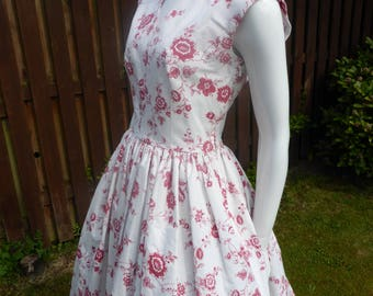 Beautiful 1950's style cotton sun dress