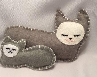 Stuffed Animal Cat and Kitten Set