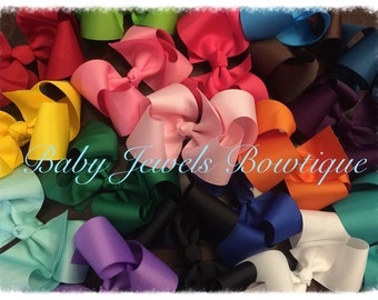 Adorable custom made 6 inch boutique hair bows