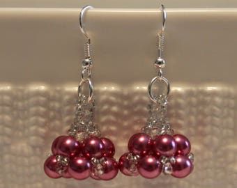 Beautiful Pearl beaded handmade dangling earrings in pink; beadweaving, dangle and drop