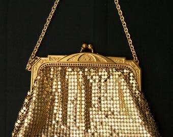 Vintage Whiting & Davis Whiting And Davis Gold Metallic Mesh Evening Bag Purse