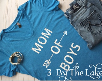 Mom of Boys, Distressed Heather Turquoise Women's V Neck T shirt
