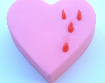 Pink Bleeding Heart Soap/Red Blood/Novelty Gift/More Colors/Shea Butter/Sweet Almond Oil/Avocado Oil