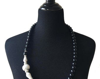 Vintage 1980's Black, Silver and White Beaded Necklace / Spring Fashion / Spring Jewelry