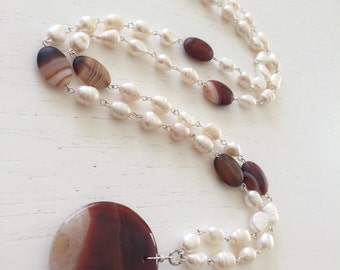 Pearl and agate necklace