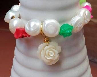 Bracelet flowers pearls freshwater birthday christening friend peace love... of women
