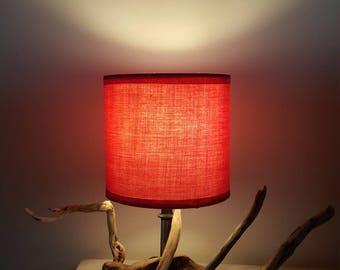 petite lampe original fait de bois flotté et son abat jour rose