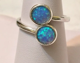 USA-FREE SHIPPING!!  Silver Opal Bypass Ring