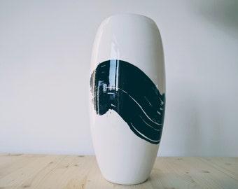 """Minimal Design Vase """"BLACK"""" // Ceramic Vase // Handmade in Italy"""