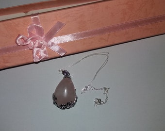 Beautiful 925 silver chain and stone pendant in gift box