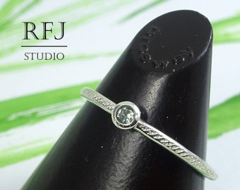 Dainty Textured Lab Tourmaline Silver Ring, Light Green CZ 2 mm Sterling Ring With Texture Light Green Tourmaline Hand Hammered Silver Ring