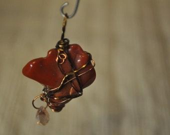 Corral stone wrap pendant