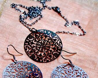 Perure stainless steel hoop earrings and pendant
