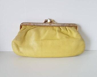 Yellow vintage purse / Soft leather + metallic clasp