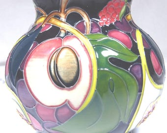 MOORCROFT Queens Choice Large 869/6 Vase 1st Quality