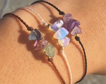 Crystal Chip Wish Bracelet / Tie On Bracelet / Crystal Chip Bracelet / Stone Chip Bracelet / Crystal Bracelet / Minimalist Bracelet