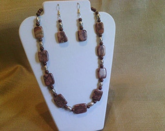 160 Brown Zebra Stone And Pewter Accented Beaded Choker