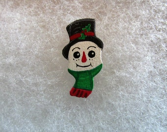 Snowman Jewelry Pin - handcarved and handpainted