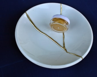 DIY: Kintsugi Started Kit. Ceramic plate included. Gold and silver powders included.