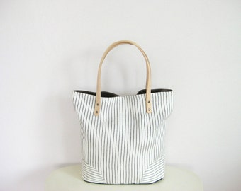 Tote Bag with Minimalist Style, Black White Handbag, Scandinavian Style, Basic Tote, Work Tote, Striped Bag, Beach Bag Tote, White Linen