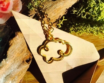"""Cloud"" golden necklace"