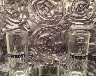 3pc Dallas Cowboys Set, shot glasses, flask
