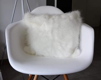 Cushion fake white fur