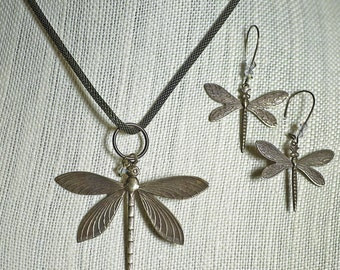 Dragonfly Necklace Earrings set with mesh chain