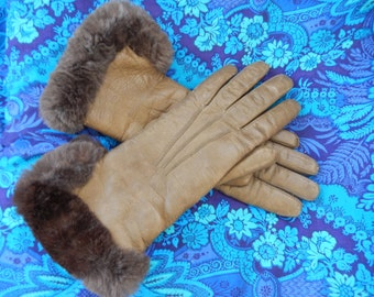 Women's/Teens Gloves Leather Olive, Rabbit fur lined, Size Small Vintage Retro Driving or About Town.
