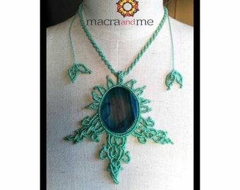 Macramé with blue agate necklace