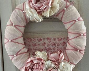Vintage wreath pink