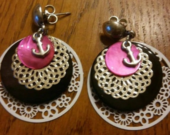 metal earrings and Pearl White, black and Fuchsia