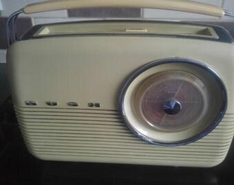 Vintage Bush TR82C radio