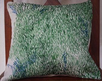 Soleil Levant 3 series: Cover cushion 40x40cm (16 x 16 inches), cotton printed Japanese nani iro grass pattern.