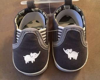 Baby boy's elephant crib shoes