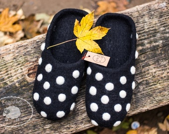 Adults Slippers Black Slippers with White polka dots Wool Slippers Polka dots shoes Felt house Slippers Womens house shoes Warm slippers